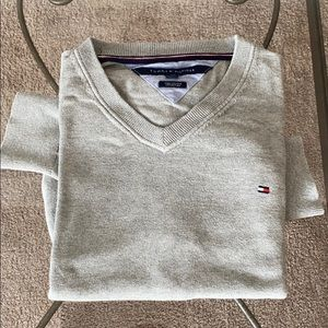 Tommy Hilfiger Sweater (LG, Gray)